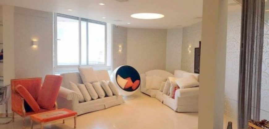 MAGNIFICENT FULLY FEATURED 5 ROOM APARTMENT IN CENTER AREA PFN # 10489